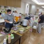 熊本県職連合天草支部の有志の方々が炊き出しに来て下さいました